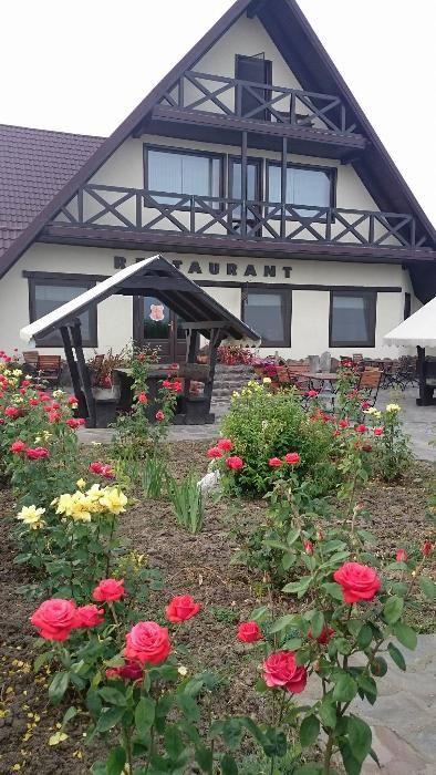 Pensiune 10 camere, Restaurant,Terasa,langa Lac