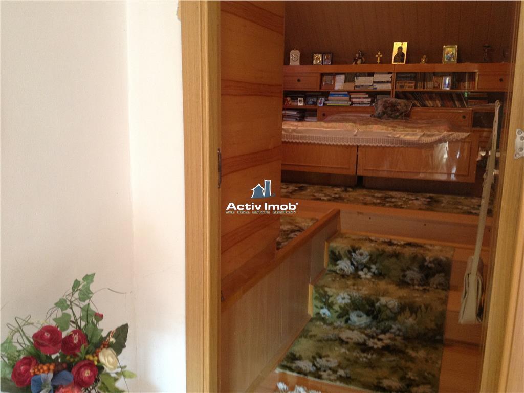 Resita,vand sau schimb, casa 200mp utili si 150 mp curte