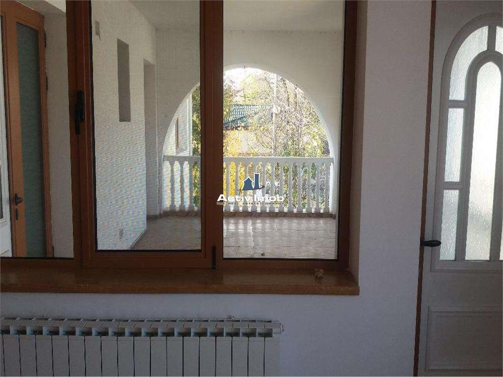 Vila pretabil rezidential sau comercial, Gradina veche
