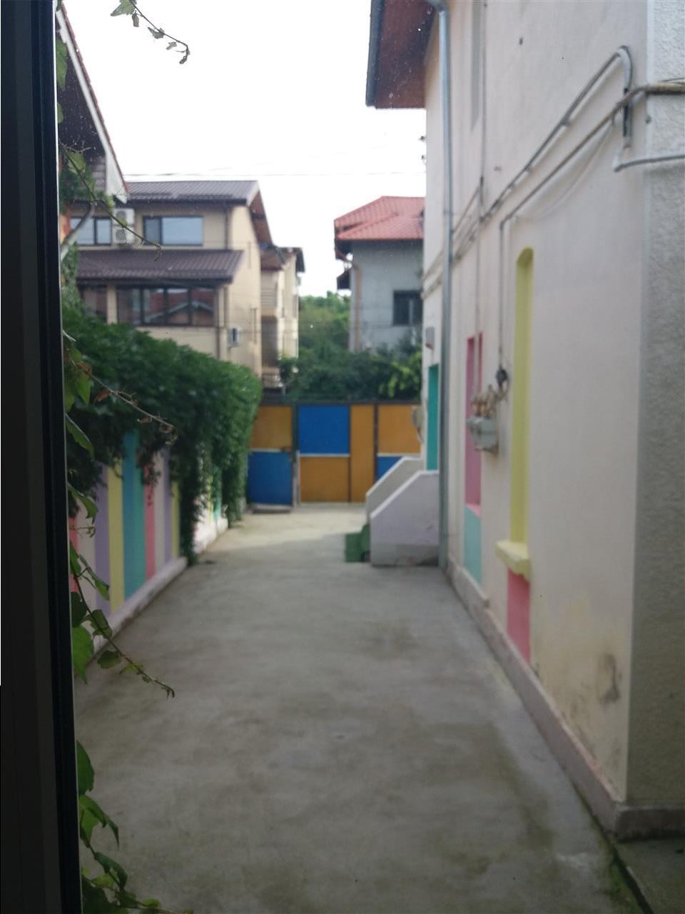 Parc Tineretului, vila 5 camere,P+1, 3 bai,150 mp utili.