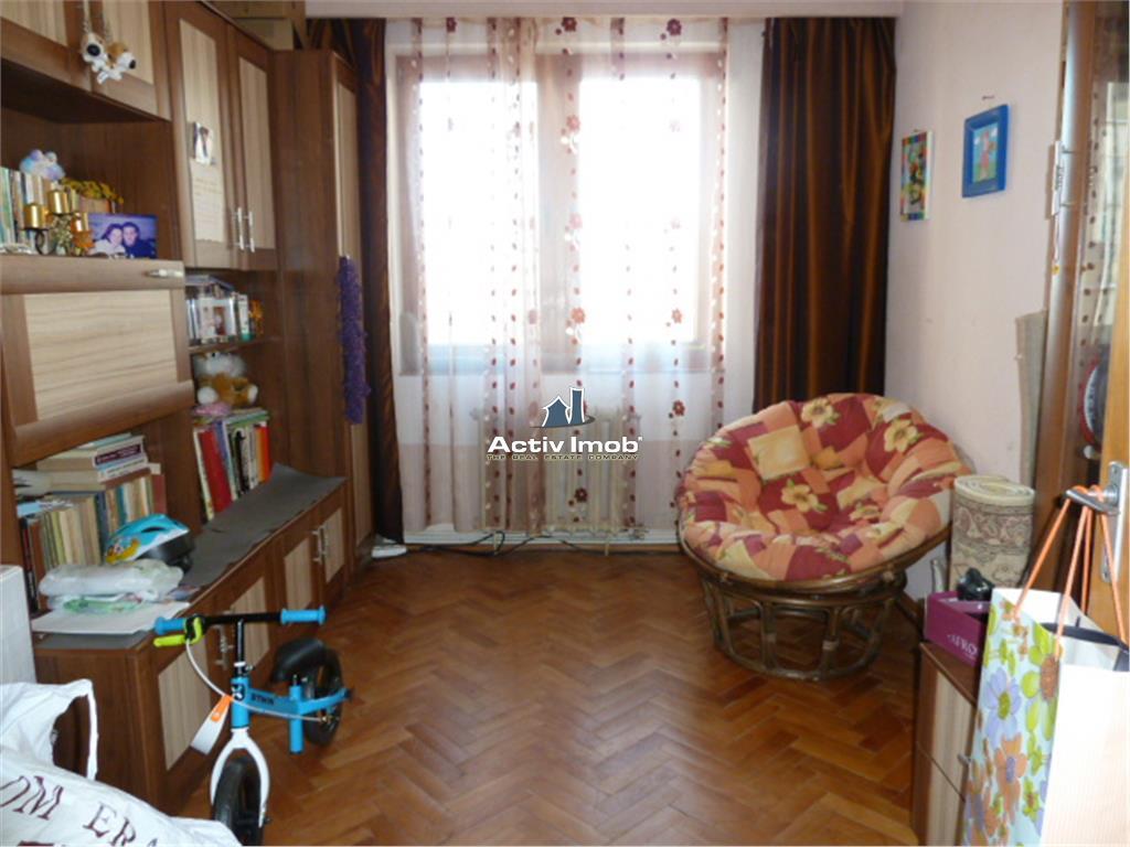 Apartament 5 Camere Bd Traian Zona Mara