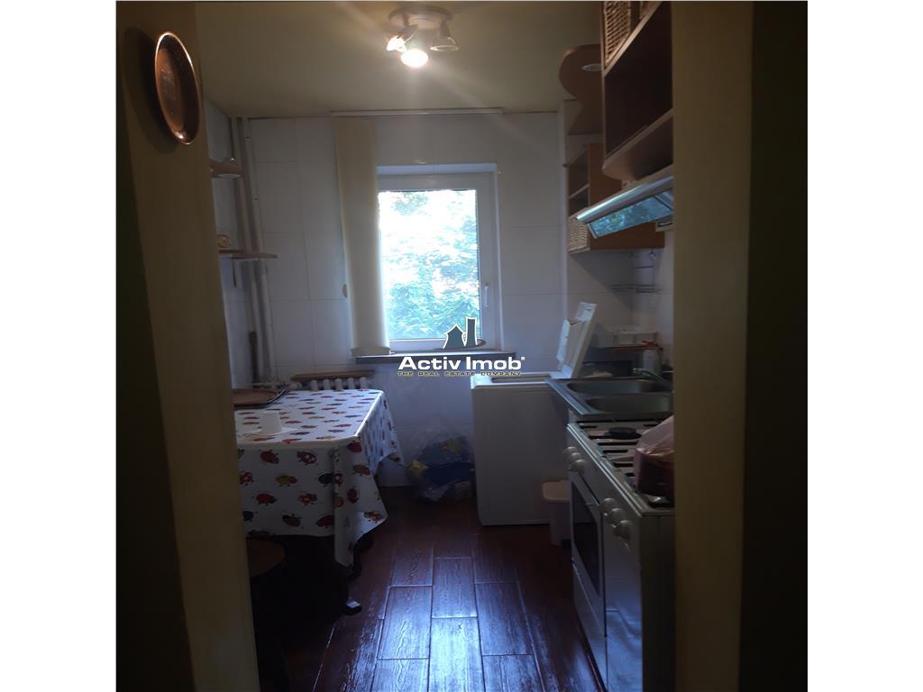 3 camere,etaj 1,mobilat,utilat   str Nanterre