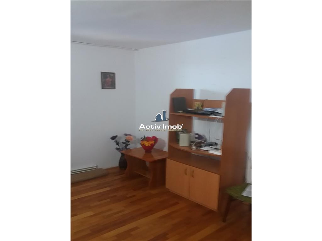 3 camere,etaj 8 din 10,semidecomandat, 61 mp UTILI,BISTRO JUNIOR