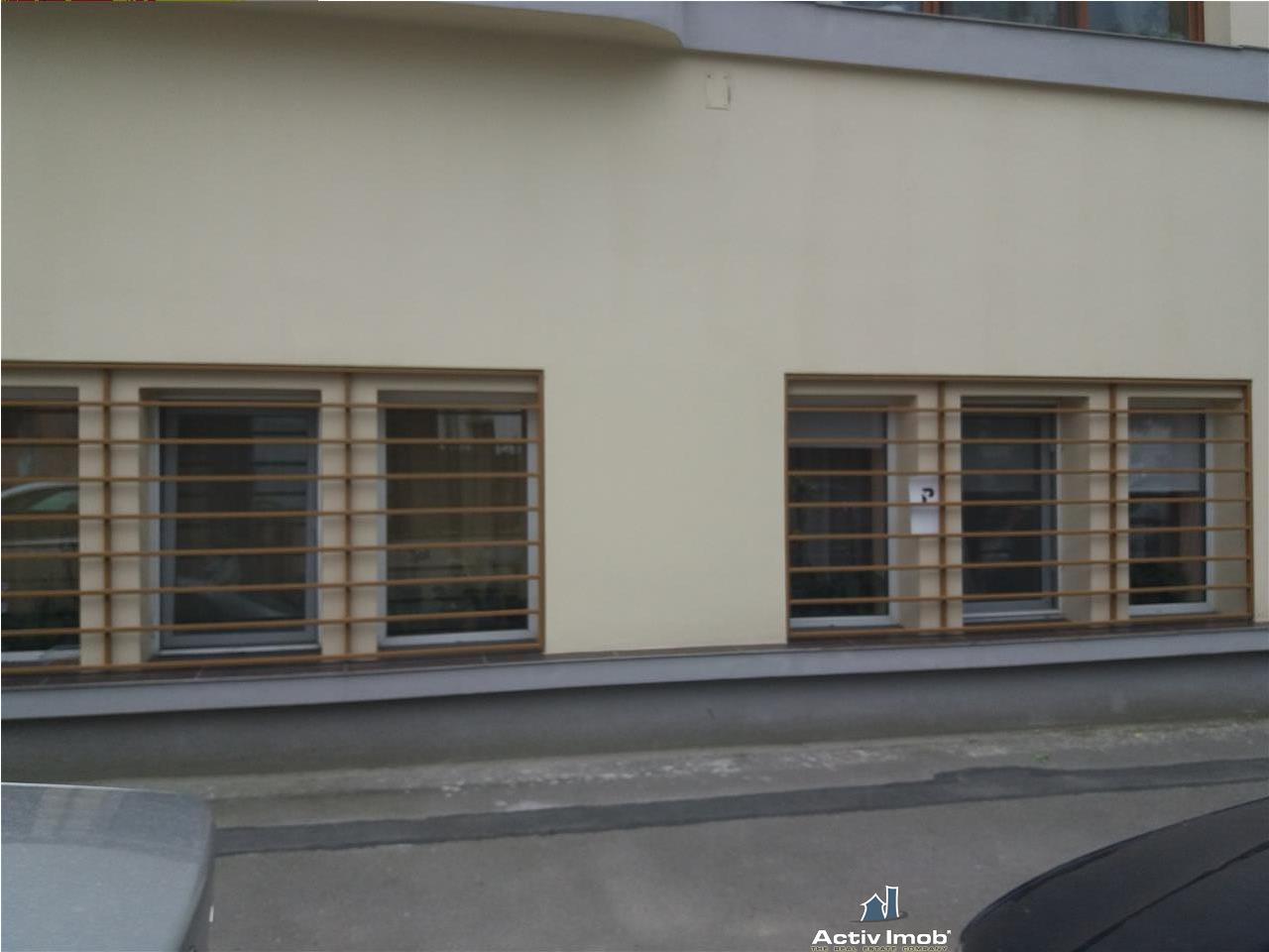 Berzei, garsoniera demisol inalt, renovata,pretabila cabinet/ birou