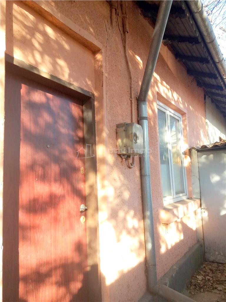 Bdul Ghencea, Casa 2 camere, caramida, teren 192 mp