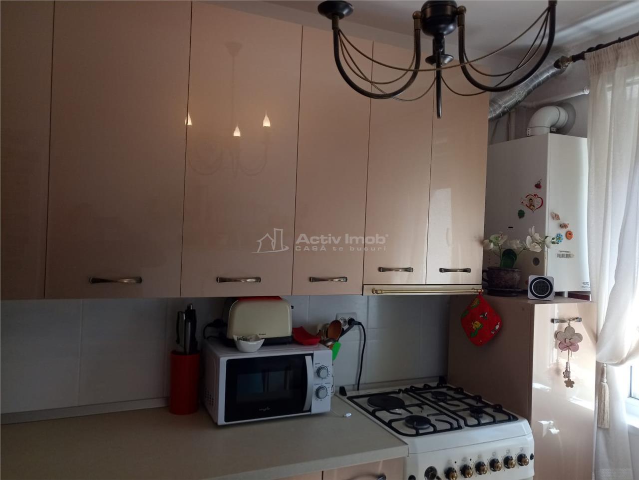 Apartament renovat LUX 3 camere, 62 mp UTILI, et. 4,