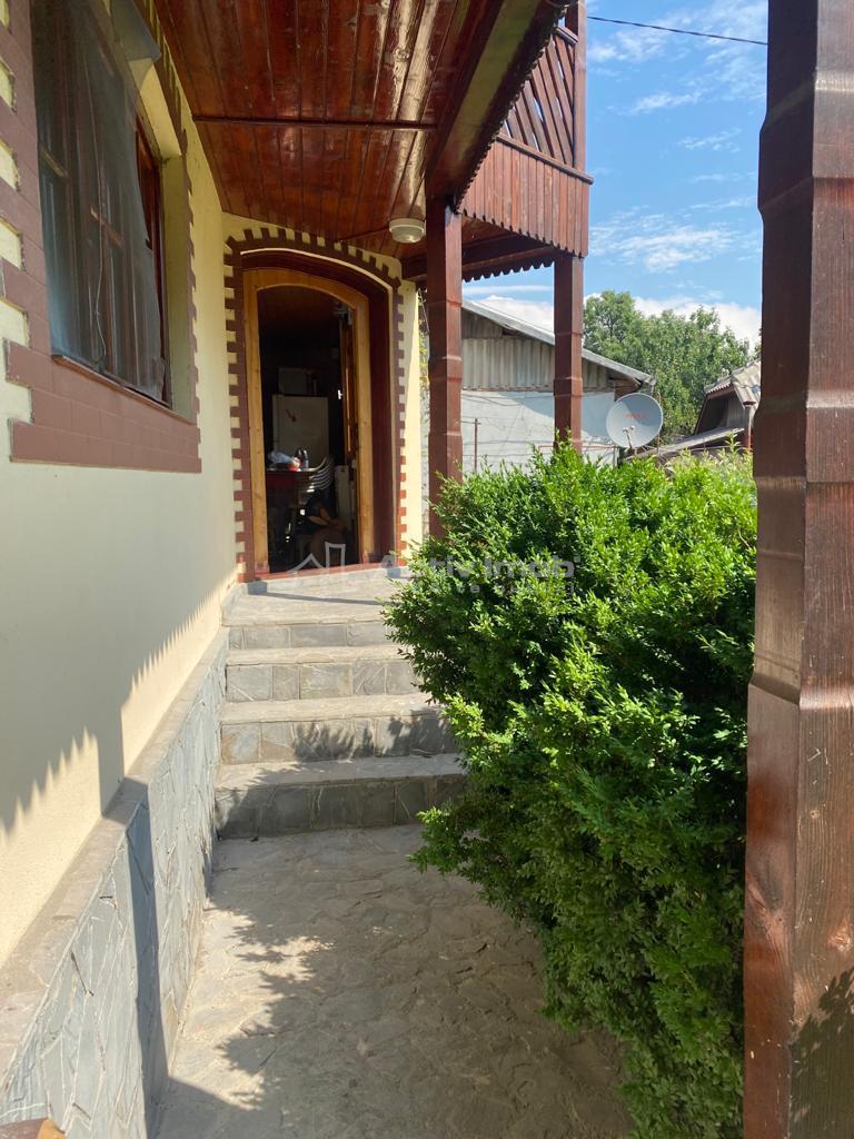 casa de vacanta/locuit,utilitati, Motaieni/Pucioasa,jud. Dambovita