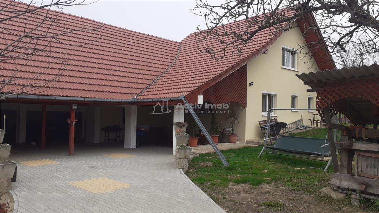Casa   Vila   Viile Satu Mare   Cu livada   COMISION 0 !!