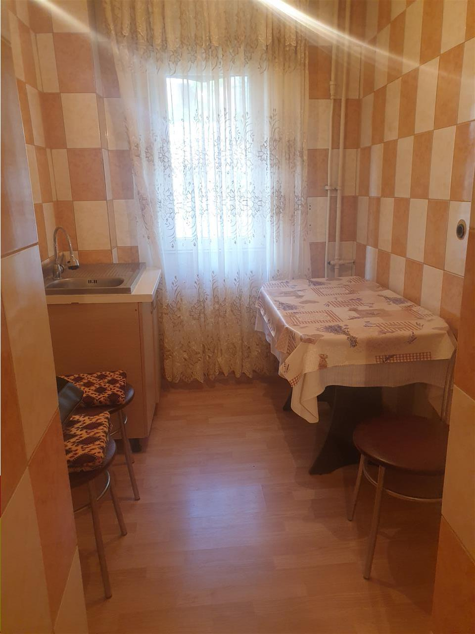 Apartament 2 camere, etaj 1   Rovine