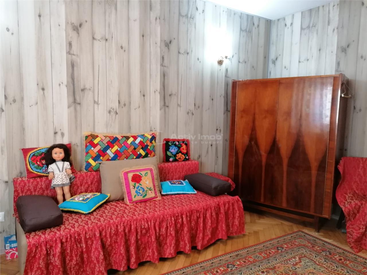 Apartament de vanzare 2 camere decomandat  55 mp UTILI