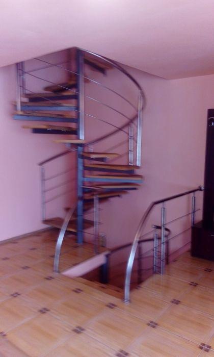 Casa, Living,2 dormitoare la etaj ,zona Fartec