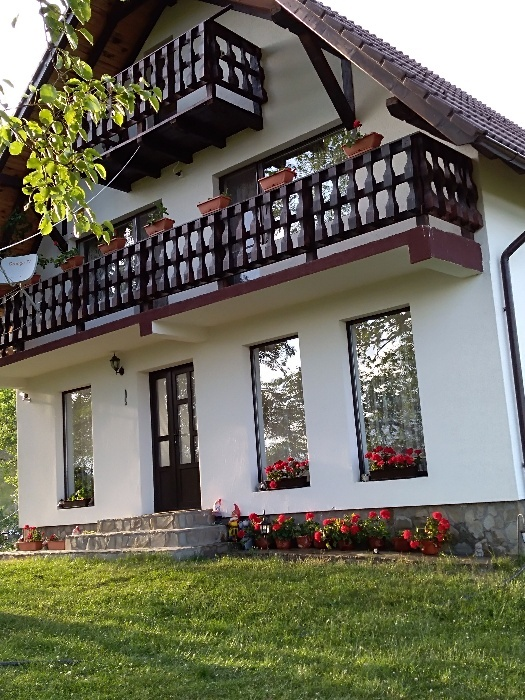 Casa/ Vila 4 camere, 3 bai Poiana Marului - Brasov