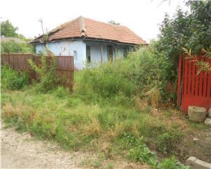 Casa demolabila +teren Nanov