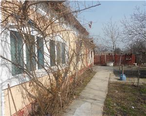 Casa individuala Poroschia langa Petrom