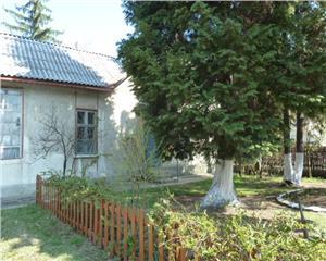 Casa 4 camere cu 30 ari teren Baia Mare cartier Ferneziu