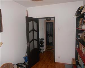 Apartament 4 camere zona Ion Creanga SRI