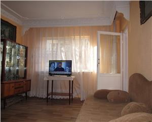 2 camere, etaj 1, decomandat, bloc 1980, 6 min metrou  Gorjului