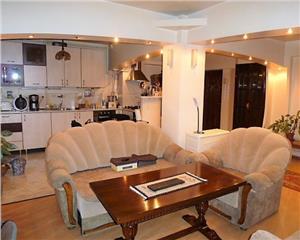 Baia Mare Ultracentral Apartament 3 camere etaj II zona Mara