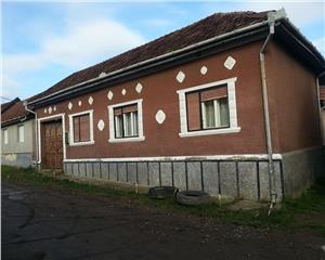 Tarnova,(Video atasat)Casa 5 Cam.Caramida arsa.