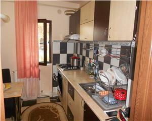 Apartament 3 camere decomandat stradal-parter Dunarii
