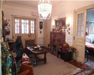 Vasile Lascar, apartament 5 camere in vila, parter, P+1, 130mp