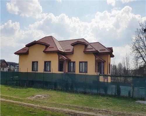 Casa la curet cu 3 camere zona Magurele 1200 mp