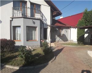 Vila- Living, 3 Dormitoare,3 bai- Sanpetru Brasov