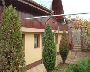 Casa 3 cam + curte