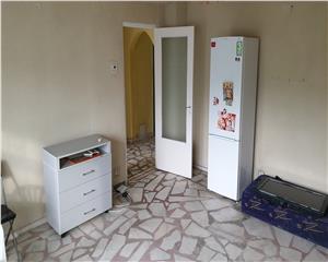 3 camere hol H Pecineaga