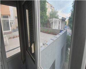 Apart 3 cam  decomandat etaj 1 si  terasa de  54mp