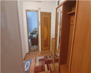 Apartament 2 cam decomandat zona F-uri langa birouri CEZ