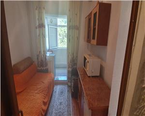 Apartament 2 cam decomandat zona F uri langa birouri CEZ