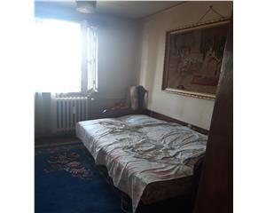 4 camere,etaj 1 - Calea Bucuresti - Unirea
