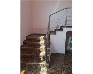 Casa/Vila   7 camere, 3 bai, curte,gradina ,zona Temeliei