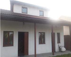Casa/ Vila- Living,3 dormitoare  Sanpetru