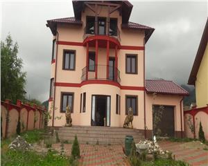 Inchiriere/Vanzare  Vila- Living,5 camere,4 bai,2 terase, zona Bunloc