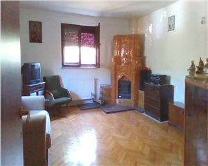 Casa de vacanta, 4 camere,110 mp, teren 2500 mp Mierea-com Vernesti