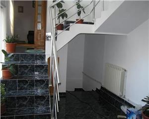 Casa compusa din 2 corpuri ,D+P+1, 170 MP,  4 camere, teren 150 mp