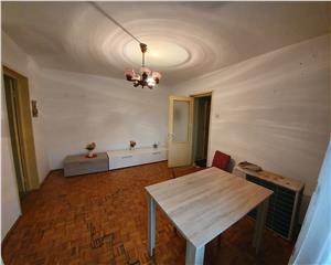 Apartament 3 camere etaj 2 zona V uri