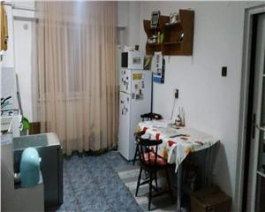 Apartament 2 camere decomandat Zona Mara