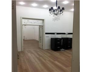 Calea Dorobanti, casa 3 camere si dependinte, stradal