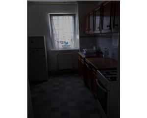 inchiriem apartament 3 camere