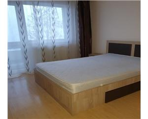 Apartament cu 2 camere decomandate, zona Intre Lacuri