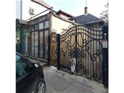 Casa cu curte si spatiu comercial,Petrom DR SARII