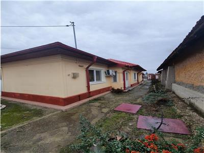 Casa renovata locuibila  , centrala termica si gaze