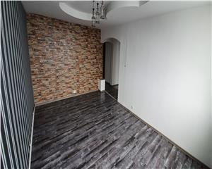 Ap. 3 camere Renovat ,  decomandat et 3 str Bucurest