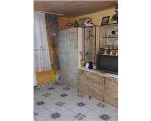 2 camere compus din garsoniera si camera de camin, 48 mp, zona COMAT