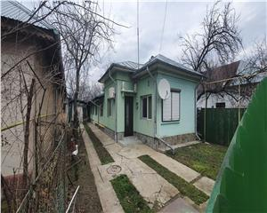 Casa renovata +curte  Ion Creanga  de inchiriere sau vanzare