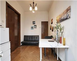 Piata Sfintii Voievozi, apartament 2 camere, et 1/3, ideal birou