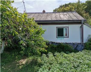 Teren 1100 mp + casa batraneasca in Suceava, Comision 0%